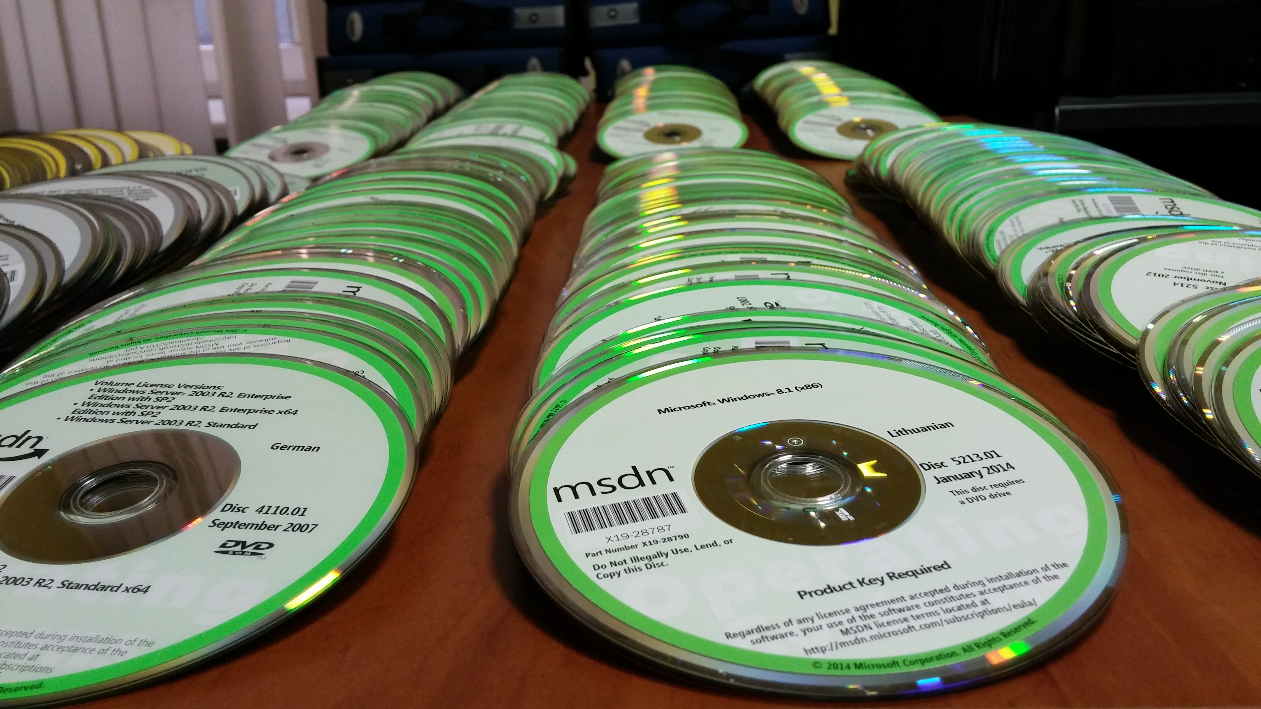 More than 1500 MSDN disks